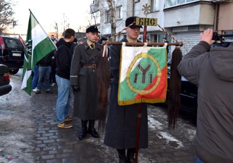 Församling utanför lokalen som BNS använder i Sofia.