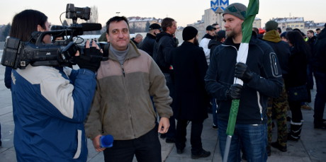 Ett avslappnat bemötande från journalisterna i Bulgarien. Otänkbart i Sverige.