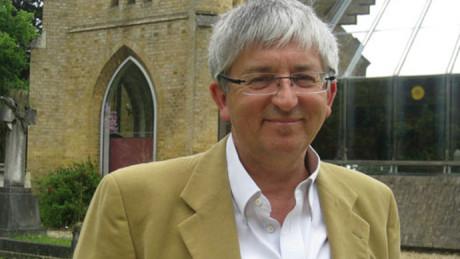 Stephen Sizer har under många år mottagit kritik från Israel-lobbyn i England.