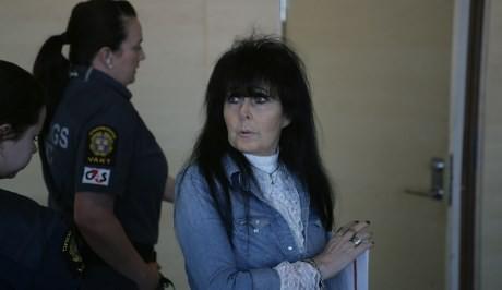 Irene ser smått chockad ut över att Motståndsrörelsen var på plats.