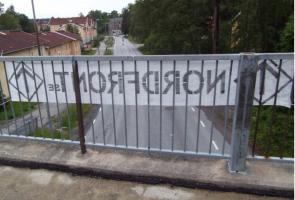 Banderolluppsättning och affischering i Salem