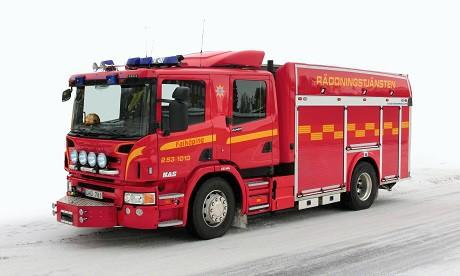 Röd_brandbil_Scania_P360_årsmodell_2012_-_6211