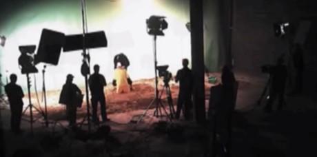 """En medarbetare till den amerikanske politikern John McCain sägs ha haft denna filmsekvens på en """"elektronisk enhet""""."""