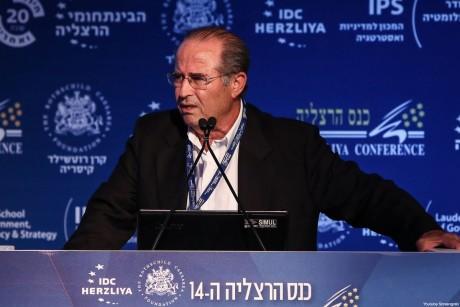 Mossads förre chef förespråkar folkmord och israeliska medier skriver öppet om det.