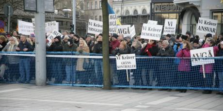 Folkets demonstration på Norrmalmstorg.