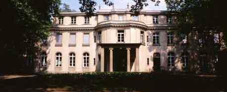 I detta hus i Berlinförorten Wannsee diskuterades emigrering av judar.