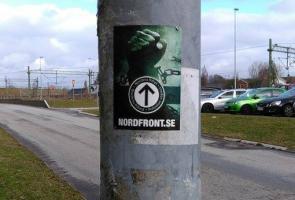 Klistermärken uppsatta i Kävlinge