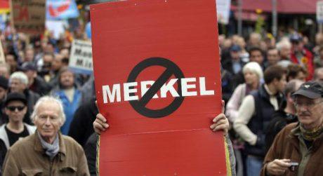 Merkel muss weg460x250
