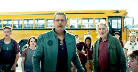 Filmens judiska hjältar just innan de räddar en buss full med barn.