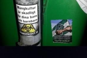 Klistermärken uppsatta i Härnösand