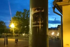 Klistermärken uppsatta i Östersund