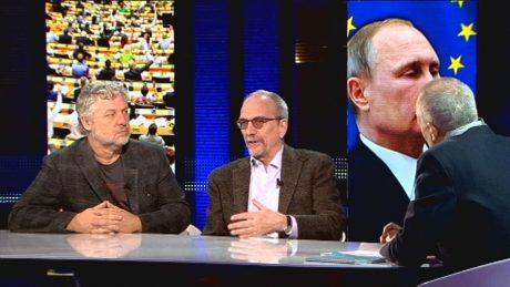 Peter Eriksson (t.v.) samtalar om EU:s relation till Ryssland.
