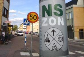 Klistermärken uppsatta i Emmaboda
