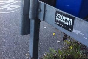 Klistermärken uppsatta i Landskrona