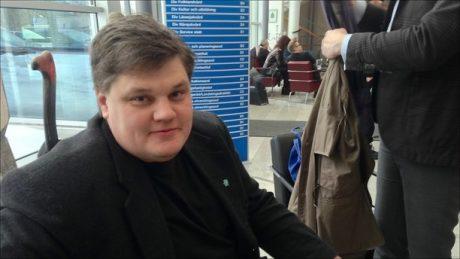 Sverigedemokraten Magnus Häggblad vägrar backa efter rasistanklagelser.