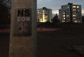 Klistermärken uppsatta i Varberg