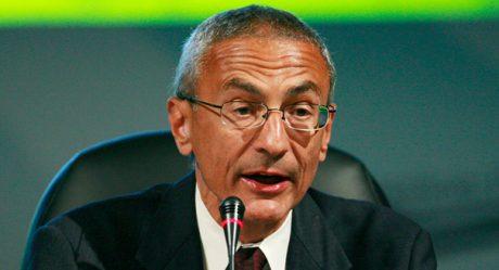 John Podesta är djupt involverad i Hillary Clintons korruption.