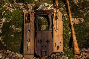 Några av Wardrunas många tidsenliga vikingainstrument.