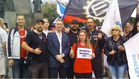 Heimbach tillsammans med tjeckiska, polska, tyska, slovakiska och brittiska nationalister i Prag.
