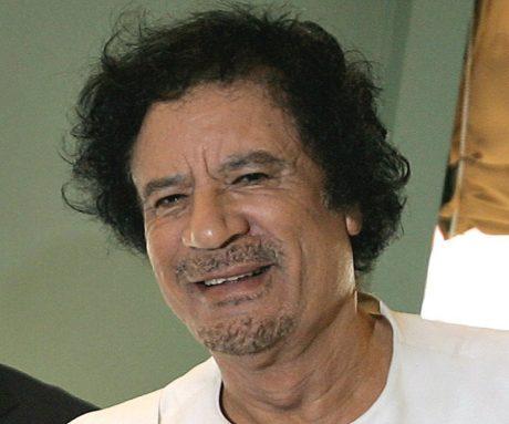 Gadaffi, media ser rött då folket har det för bra.