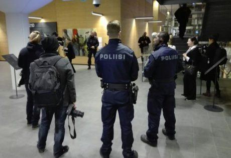 Rättegången bevakades av finsk polis.