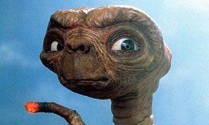 ET, en snäll alien som bara vill åka hem igen.
