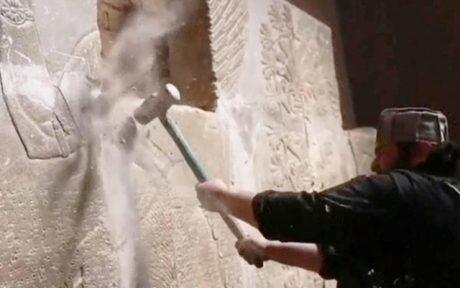 Ödeläggelse av förhistoriska monument av så kallade rebeller i Syrien.