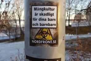 Klistermärken uppsatta i Hudiksvall