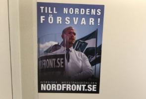 Klistermärken spridda i Laxå- och Degerfors kommun