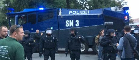 Tysk polis grep 30 hogerextrema