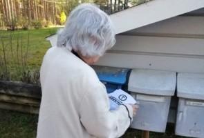 Gemensam flygbladsutdelning inför EU-valet – Ludvika kommun