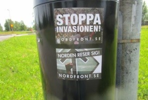 Klistermärken sattes upp i Luleå