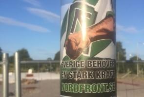 Klistermärken mot moskébygge – Norrköping