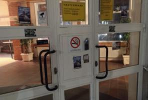 Klistermärken riktat mot skolor i Tyresö